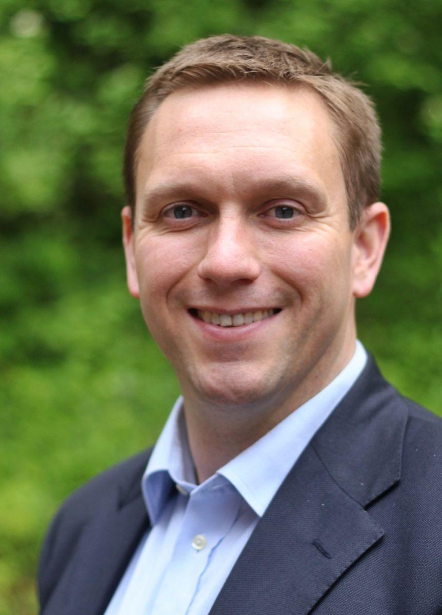 Giles Stafford, Consultant Orthopaedic Hip Surgeon